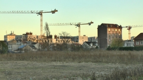 chantier grue autochtone